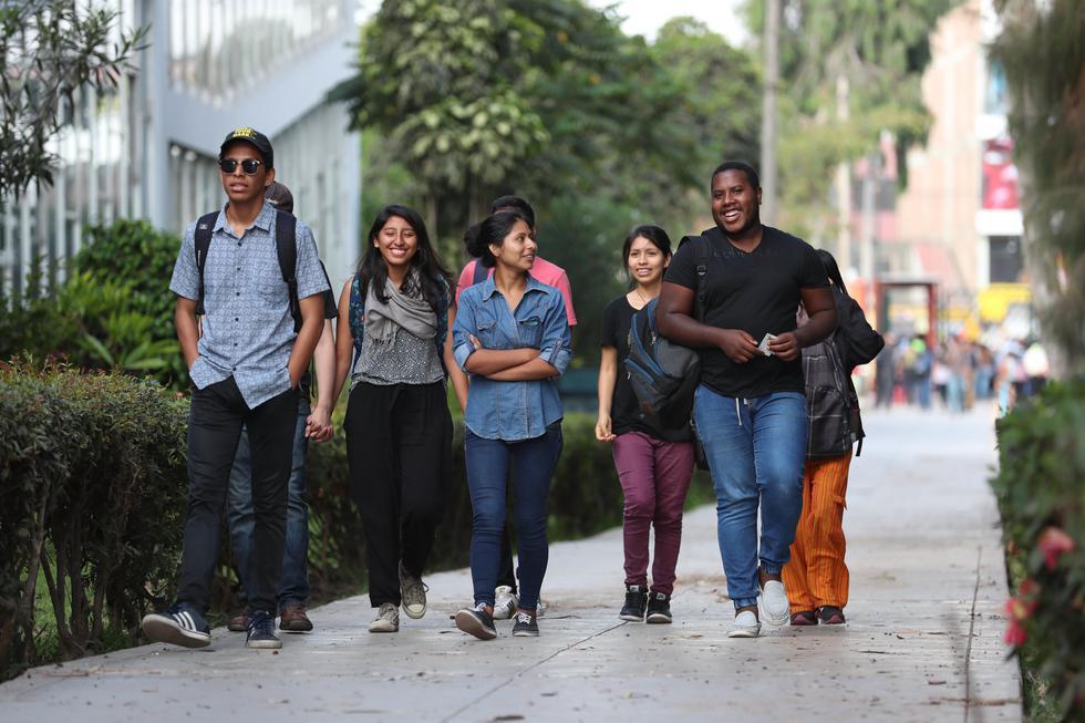 El portal Ponte en carrera actualizó la información disponible sobre el salario de los egresados de universidades e institutos. (Foto: GEC)
