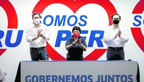 Juntos y revueltos. Salaverry, Li y Vizcarra están ahora al frente de un debilitado Somos Perú. (Foto: GEC)