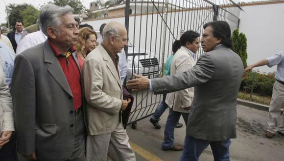 """PURA FINTA. Los """"garantes"""" de la gobernabilidad, se jactan de un poder a nivel Legislativo que no tienen. (Rochi León)"""