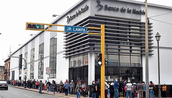 El bono de S/ 760 es entregado por el Estado a las familias vulnerables. (Foto: Violeta Ayasta | GEC)  FOTOS: VIOLETA AYASTA / GEC