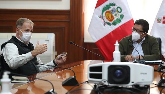 El burgomaestre junto al titular de la PCM conversaron sobre la reactivación de la economía en la ciudad, asi lo dio a conocer la Presidencia del Consejo de Ministros a través de Twitter. (Foto: PCM)