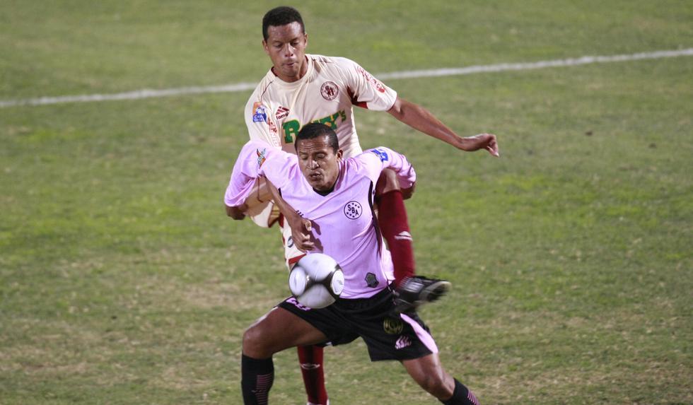 Kukín vistió un total de 17 clubes en su carrera. (GEC)