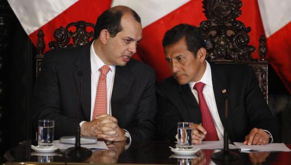 Toma nota. Gobierno pide propuesta para mejorar competitividad. (Perú21)