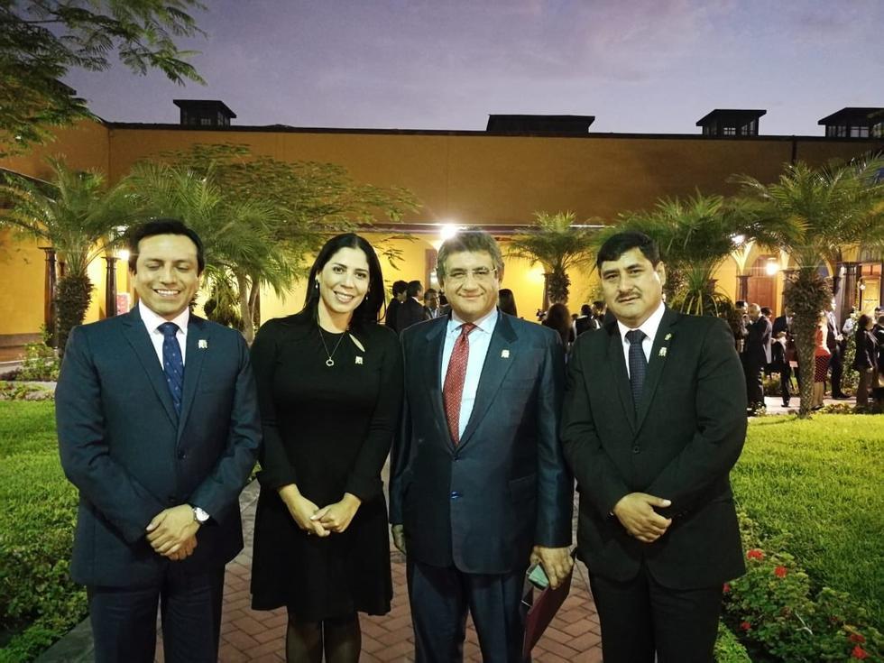 Gilbert Violeta, Ursula Letona, Juan Sheput y Dalmiro Palomino en ceremonia de UNMSM (UNMSM).