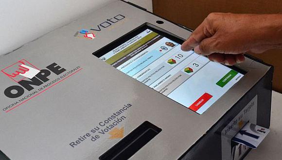 Un sistema digital de votación conllevarías muchas ventajas, asegura el columnista. (Foto: Andina)