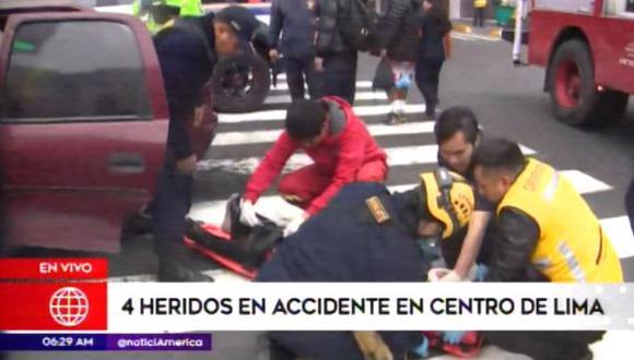 Heridos fueron trasladados a hospital. (Foto: Captura/América Noticias)
