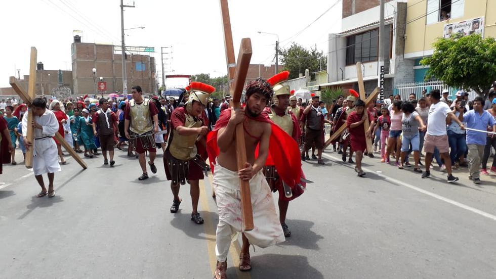 Frankin Puyen Chunga, un joven de 23 años, interpretó Jesús. (ZONIA CUSTODIO)
