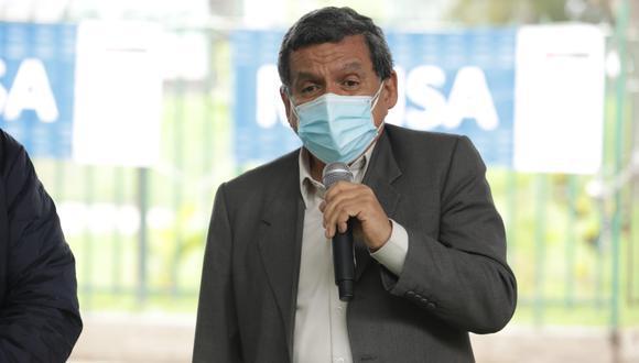 El ministro Hernando Cevallos informó que todo el personal de salud deberá tener vacunación completa para volver a trabajar. (Foto: archivo GEC)