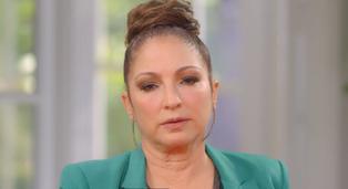"""Gloria Estefan sorprende a seguidores con sus nuevas revelaciones en """"Red Table Talk"""""""