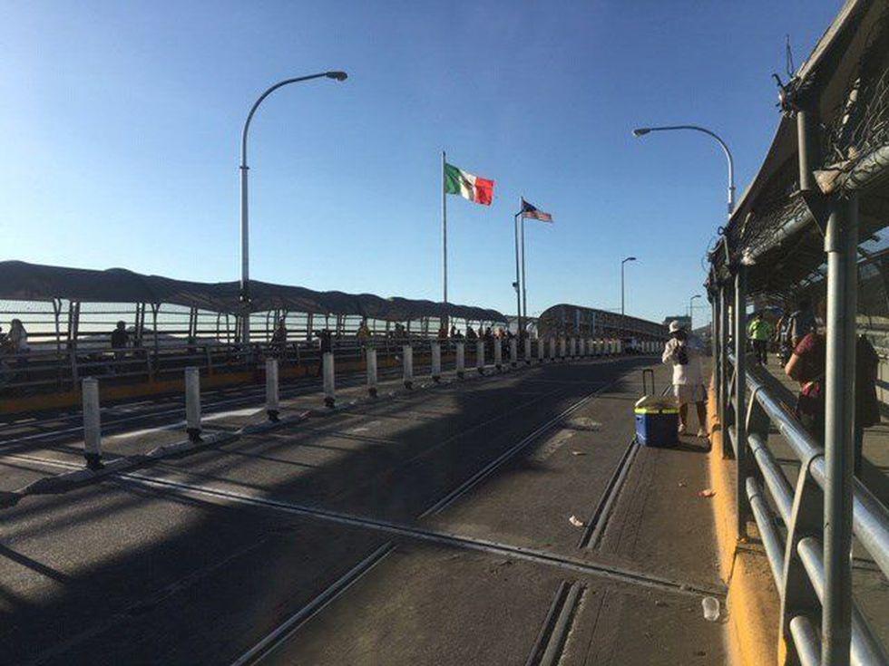 Vista general del puente Internacional de El Paso, en la frontera entre Estados Unidos y Ciudad Juárez (México). (Foto: EFE)
