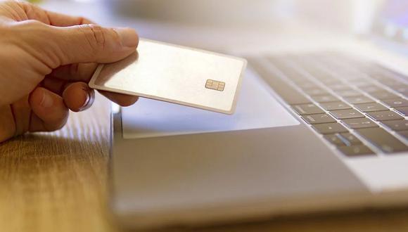 En Perú, los tres principales métodos de pago percibidos como seguros son transferencia digital de dinero, tarjetas de uso digital, y las tarjetas para insertar.