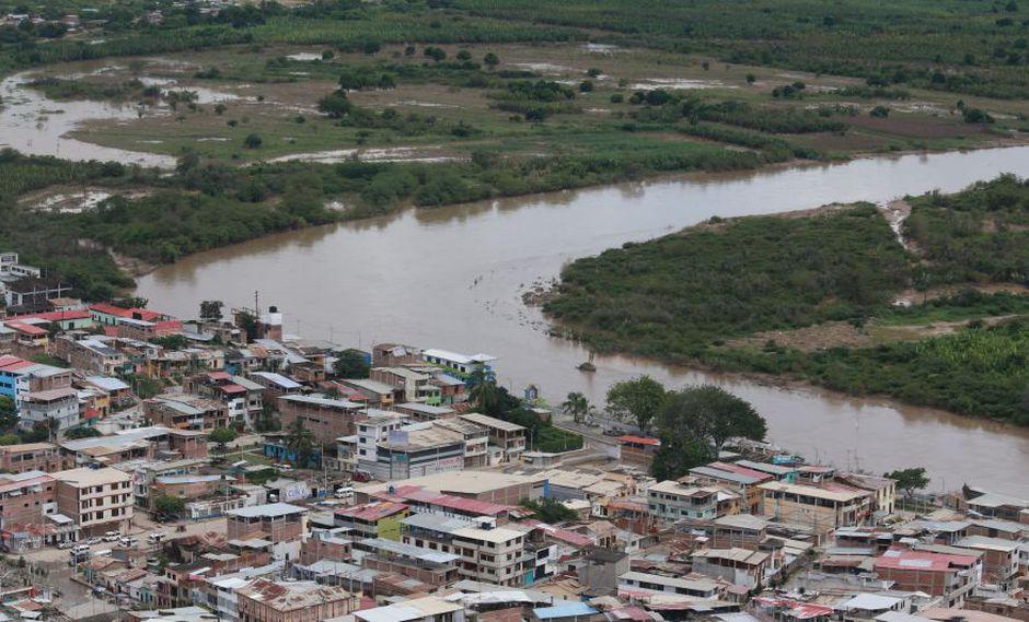 """Senamhi pronostica que el incremento del caudal """"estaría atravesando la ciudad de Tumbes entre las 13 y 14 horas aproximadamente"""". (Foto: Archivo El Comercio)"""