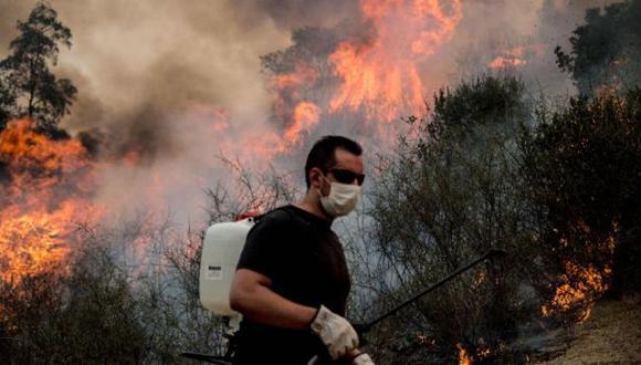 Chile: Evacuan a 4 mil personas por incendio forestal. (AFP)