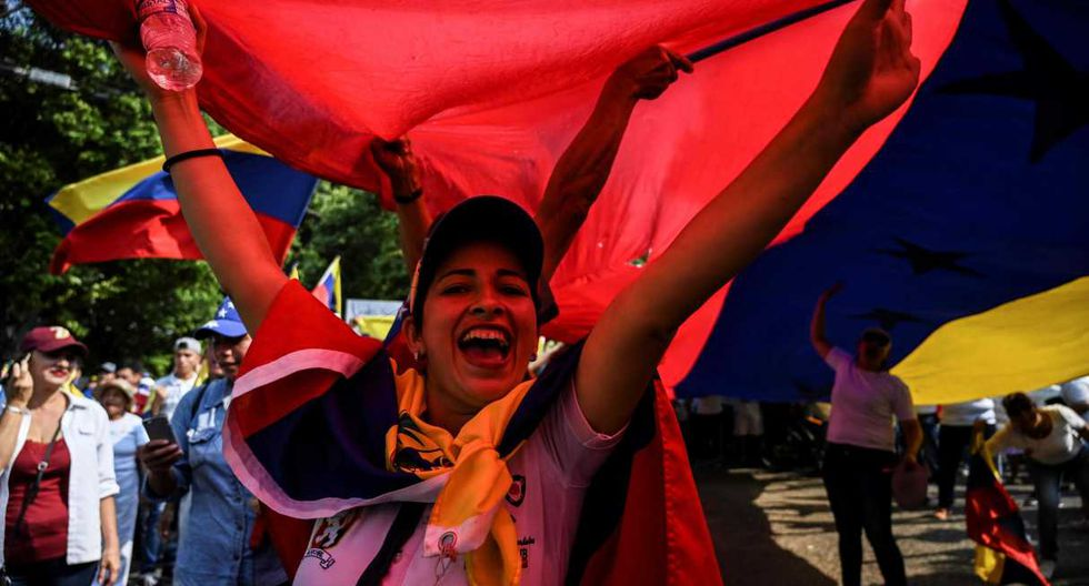 Nicolás Maduro se niega a aceptar la asistencia enviada a Cúcuta a solicitud de Guaidó. (Foto: AFP)