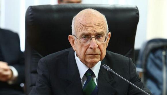 Carlos Ferrero, ex premier del gobierno de Alejandro Toledo, se presenta ante la Comisión Lava Jato del Congreso.