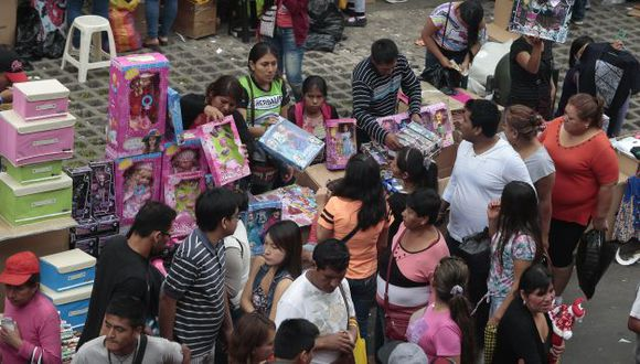 Peruanos gastan S/.400 soles en compras online de regalos por Navidad. (USI)