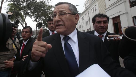 Adrián Villafuerte habría ordenado el ilegal resguardo, indicó el congresista Enrique Wong. (Martín Pauca)