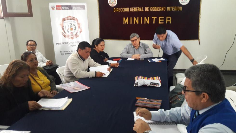 Representante del Minem se reunió ayer con el alcalde y dirigentes de El Alto.