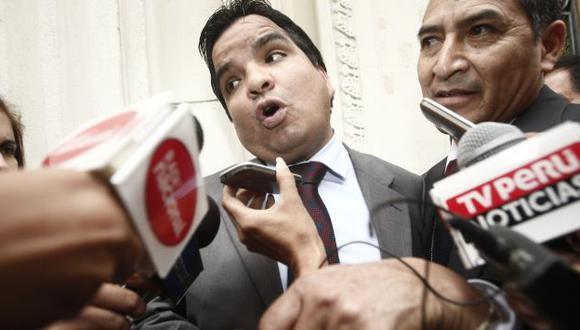 Piden renuncia de Arbizu en caso no aclare sus nexos con exdirigente cocalera. (César Fajardo)