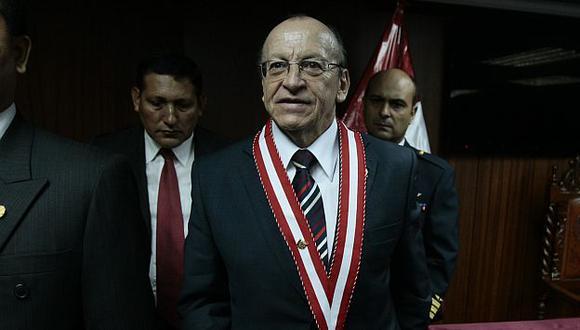 Sus reiterados desaciertos le podrían costar el puesto al controvertido fiscal de la Nación. (Rafael Cornejo)