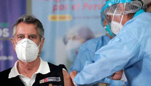 Francisco Sagasti recibió la primera dosis de la vacuna contra el coronavirus. (Foto: Presidencia)