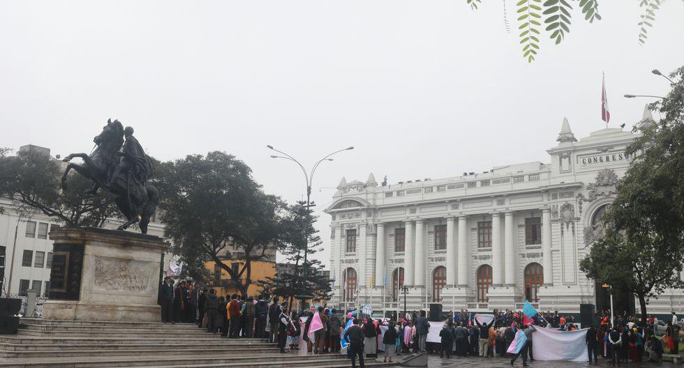 En 1997, el gobierno de Fujimori enrejó la plaza Bolívar (Juan Ponce/GEC).