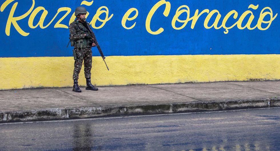 Este lunes, en el séptimo día de huelga, por lo menos tres batallones seguían invadidos y un número elevado de agentes seguían en huelga, según la prensa local. (AFP).
