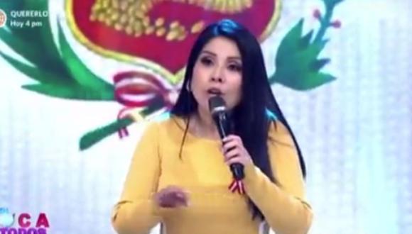 Tula Rodríguez invitó a  Maju Mantilla  hacer una pasarela. (Foto: Captura América TV).