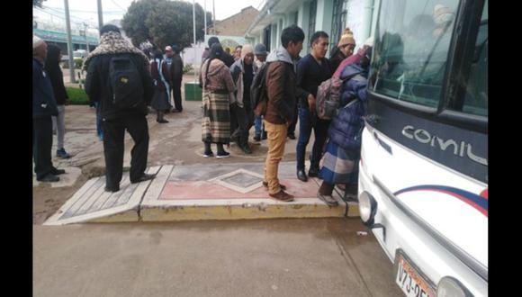 Secuestran y asaltan a 54 pasajeros en bus en Puno (GEC)