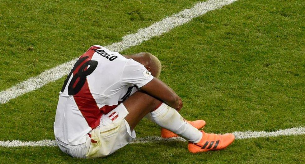 André Carrillo, uno de los mejores del partido, lamentándose la derrota. (Reuters)