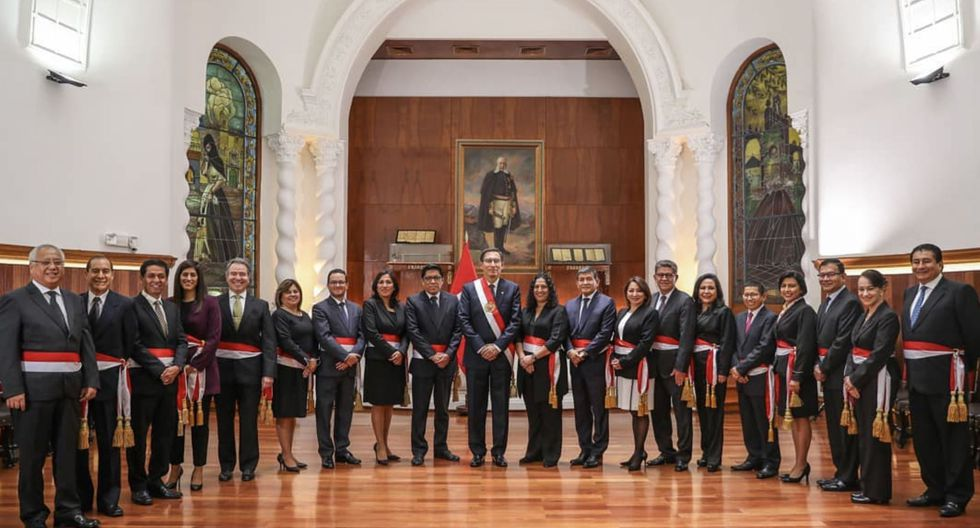 Vicente Zeballos juró como primer ministro, luego que el Congreso le negó la cuestión de confianza a Salvador del Solar. (Foto: Andina)