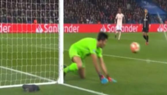 Buffon dejó el rebote y Lukaku anotó gol para el 2-1 sobre PSG. (Captura: Fox Sports)