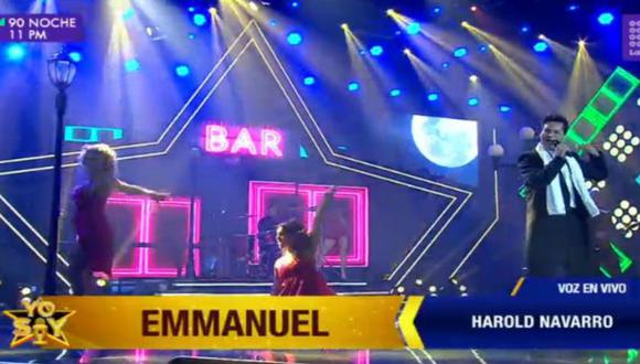 "El participante Harold Gamarra llegó al programa para entonar ""Chica de humo"" de Emmanuel.  (Foto: Latina)"
