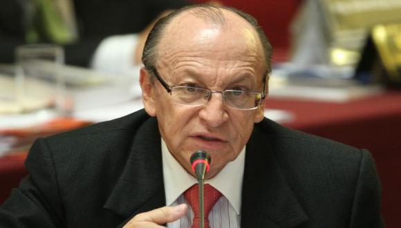 Peláez recopila información. (Luis Gonzales)