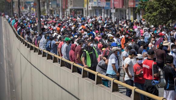 Médico epidemiólogo advirtió que aglomeraciones tras cuarentena causarían un grave incremento de casos de COVID-19 en el país. (Foto: Anthony Niño de Guzman\GEC )