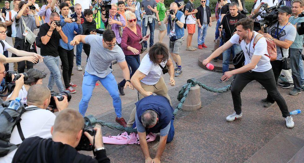 Durante la primera hora de la mañana, se registraron incidentes con personas ajenas a la manifestación. (Foto: Reuters)