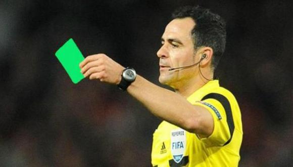 ¿Para qué sirve la nueva tarjeta verde que se está usando en el fútbol de Brasil? (Infobae)
