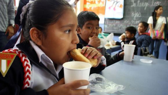 Los programas sociales contribuyen a la reducción de la pobreza en el país. (Andina)