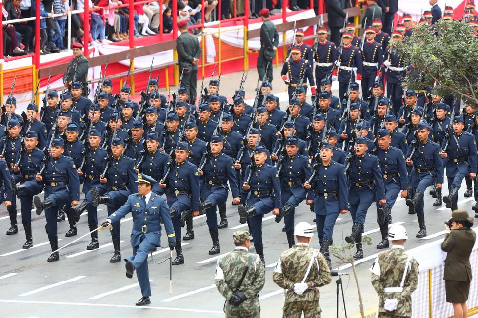 ¡Desmiente rumores! Ministerio de Defensa asegura que las Fuerzas Armadas participarán en Desfile Militar. (USI)
