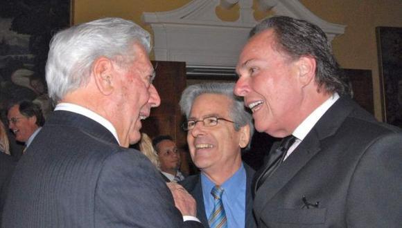 El escritor recibió un homenaje en la residencia del Embajador de Perú en EEUU. (Andina)