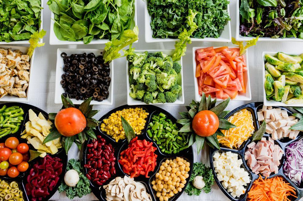 Comer bien que incluya frutas y verduras no debe faltar en su dieta diaria.