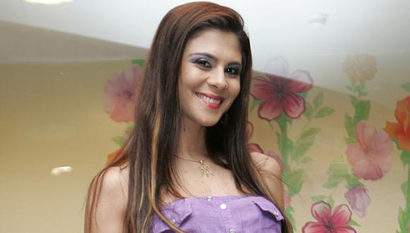 Claudia Abusada, make-up artist.