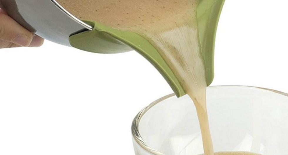 1.Adaptador de Silicona para las ollas: Te permite verter líquidos sin miedo a derramarlos. (Amazon)