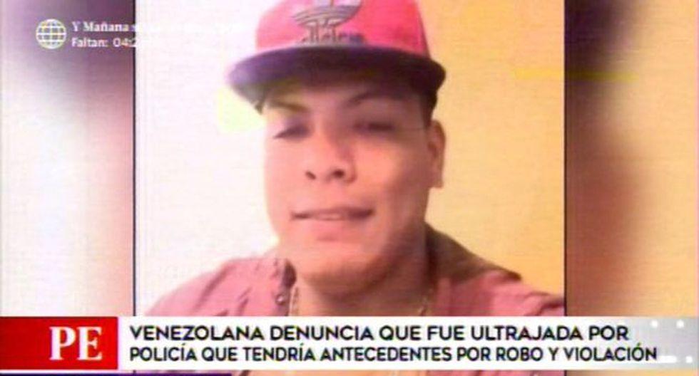 Venezolana acusa a policía de ultrajarla.