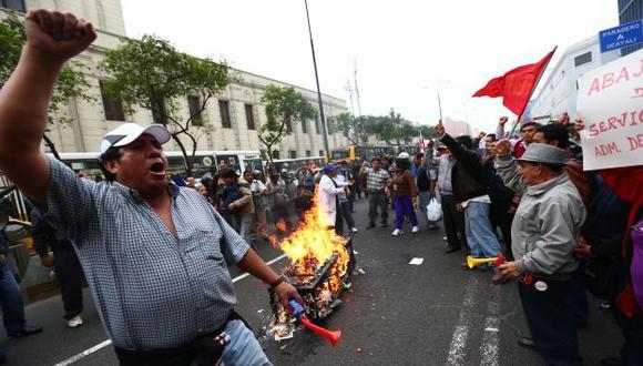 Congresistas pidieron calma ante las protestas de los trabajadores públicos en diversas ciudades del país. (Rafael Cornejo)