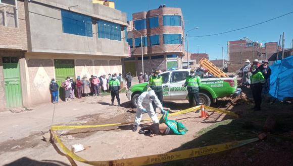 Puno: el cadáver habría sido arrojado, la madrugada de hoy, desde un vehículo que pasó por la urbanización Señor de Los Milagros. (Foto: GEC)