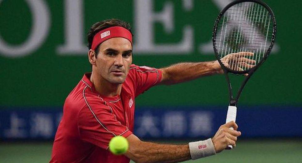 Roger Federer vs. Stefanos Tsitsipas: juegan por el pase a la final del Torneo de Basilea. (Foto: AFP)