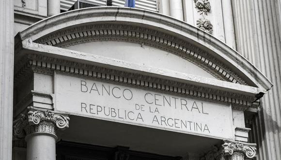 El Banco Central de Argentina deberá autorizar el cambio de divisas. (Foto: AFP)