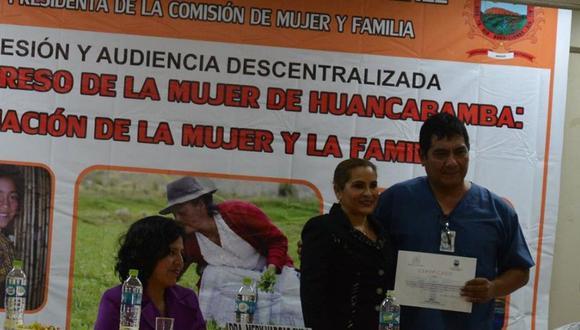 El psicólogo participó en el congreso al que también acudió la parlamentaria. (Municipalidad Provincial de Huancabamba)