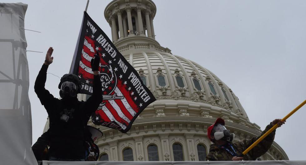 Imagen referencial. Los partidarios del presidente de los Estados Unidos, Donald Trump, protestan frente al Capitolio. (Foto de ROBERTO SCHMIDT / AFP).